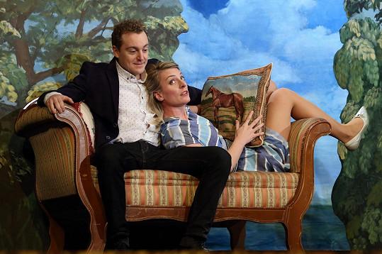 V komedii Poslední aristokratka si mimo jiné zahraje s Petrem Kernem.