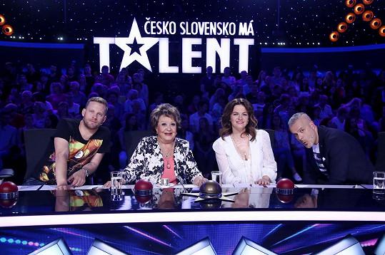 Jiřina Bohdalová na čas nahradila v Talentu Dianu Mórovou.