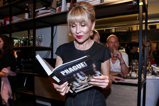 Herčíková na křtu gurmánské knihy Dominica Jamese Prague Cuisine
