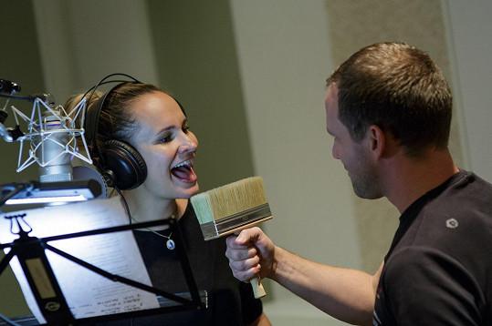 S Vánoci má Monika spjaté písně Karla Gotta, jednu s ním nazpívala i na svou desku.