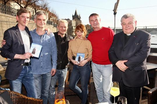 A s kolegy z filmu na křtu DVD Anděl Páně 2