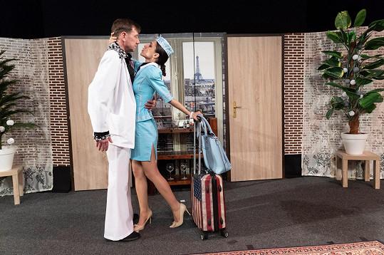 V roli letušky se objeví také Eva Burešová.