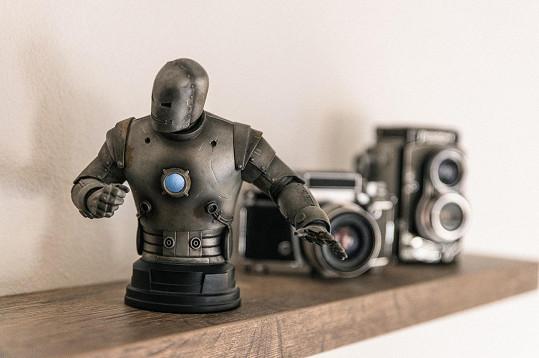Figurka Iron Mana byl prvním dárkem, který příteli dala.