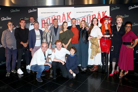 Filmová delegace Bouráka režiséra Ondřeje Trojana (dole vlevo)