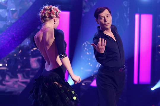 Pro dobrou věc si ale s krásnou taneční partnerkou rád zatančil.