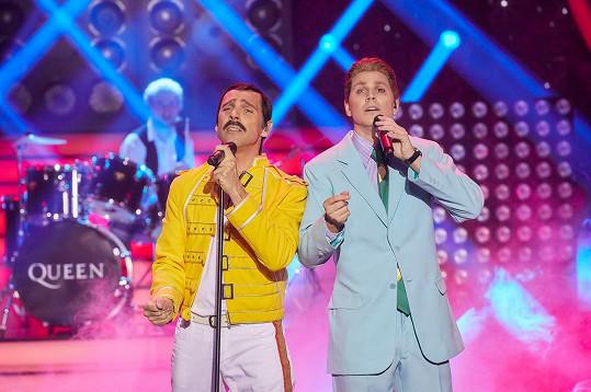 Roman Vojtek a David Gránský jako Freddie Mercury a David Bowie