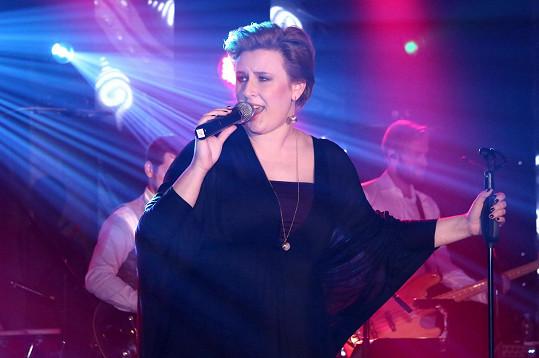 Byla jedním z hudebních hostů.