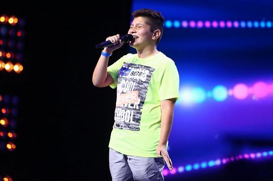 Christiyan Mitkov zazpíval píseň od Whitney Houston.