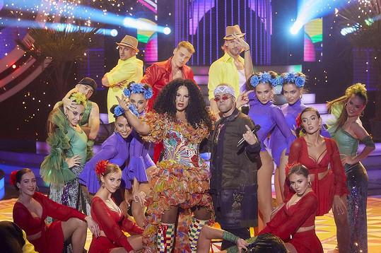 Porota herečku vychválila za sexy show i náročný text, který rapovala.