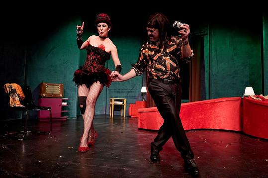 Kristýna na snímku z generálky hry Láska v přímém přenosu v odvážném kostýmu.