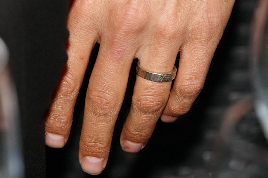 Mikolášův snubní prsten