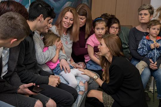 Andrea dětem z Domina pomáhá pravidelně.