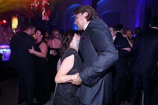 Tatiana Vilhelmová a Vojta Dyk si brněnský ples pořádně užili.