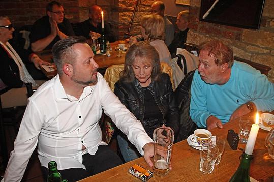 Michal Jagelka měl hodně těsnou košili.