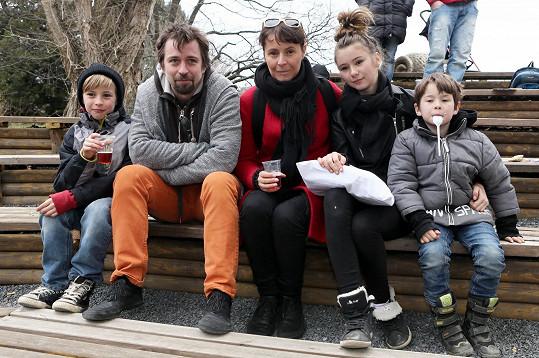 S manželem Janem Dolanským, syny a mladší dcerou