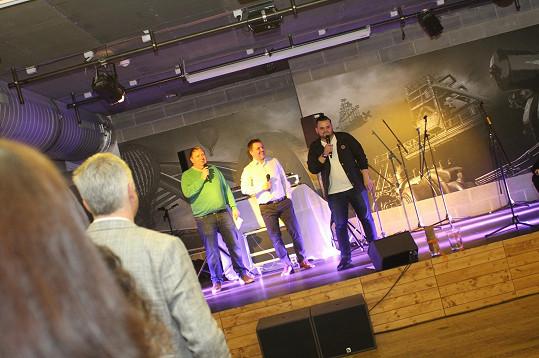 Ezy na svém narozeninovém koncertu představil svůj dobročinný projekt.