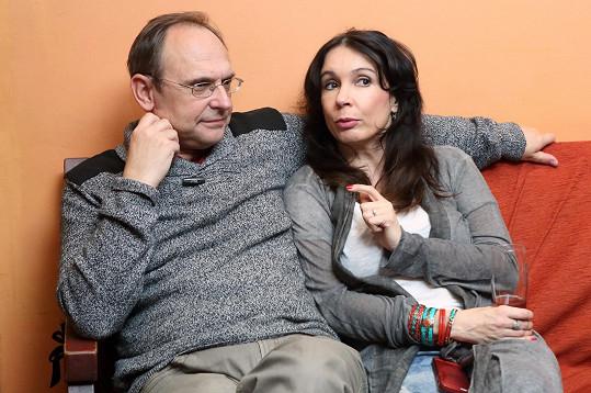 Pavel Kikinčuk a Nela Boudová se společně sejdou ve hře Jana Kačera Svatba pozdního léta.