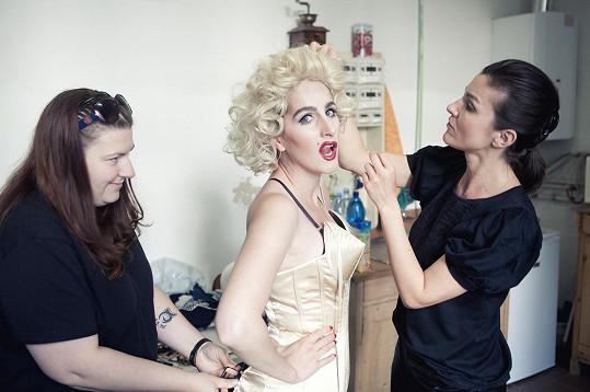 Madonna je na světě.