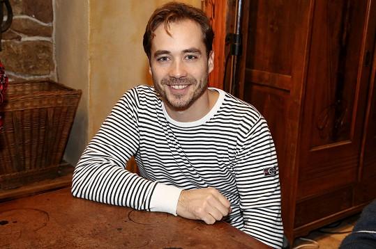 S Filipem Tomsou si Mrkvička zahrál na divadle i v seriálu Policie Modrava.