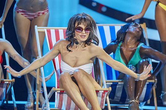 Markéta Procházková coby zpěvačka Sabrina.