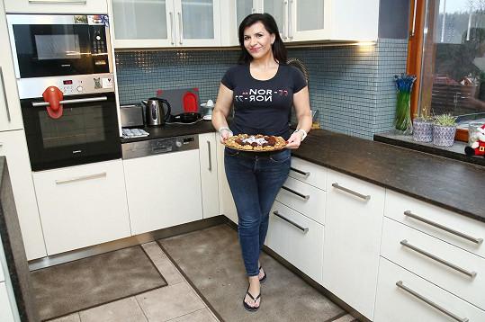 Andrea je vládkyní kuchyně.
