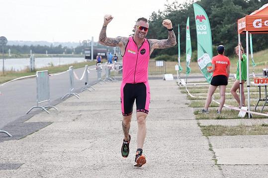 Moderátor si vyzkoušel tentokrát triatlon.