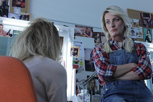Polívková hraje městskou holku, která se ocitne na vesnici.