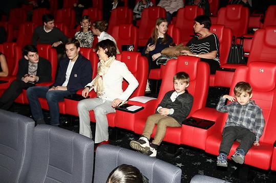 Rodinka Ivana Trojana si nenechala ujít premiéru pohádky Anděl Páně 2.