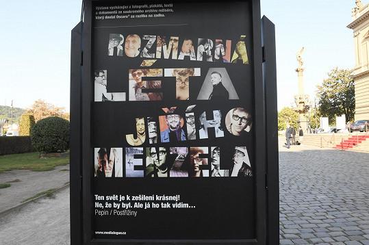 Výstava u Rudolfina v rámci rozloučení s Jiřím Menzelem