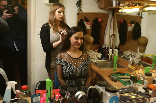 Eva při přípravě na narozeninový koncert Divadla Broadway
