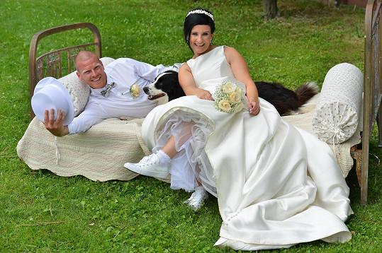 Brali se po tříleté známosti.