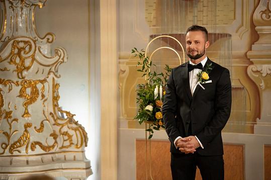 Čech Milan se do slovenské verze pořadu přihlásil, protože se zamiloval do jedné z účastnic, své klientky Terezy.