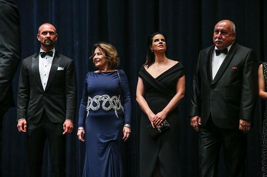 Emília Vášáryová s Andrejem Hrycem a Zuzanou Fialovou při představení filmu režiséra Petera Bebjaka.