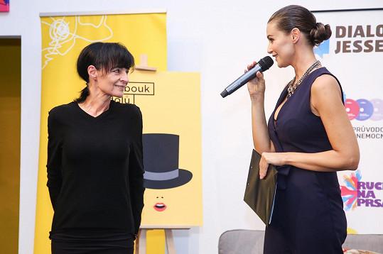 Statečné ženy oblékly modely studentů Liběny Rochové.