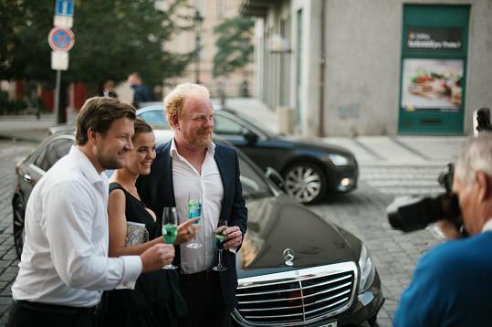 A také bratrů Sedláčků, ekonoma Tomáše a podnikatele Lukáše (vlevo), který šel za kmotra.