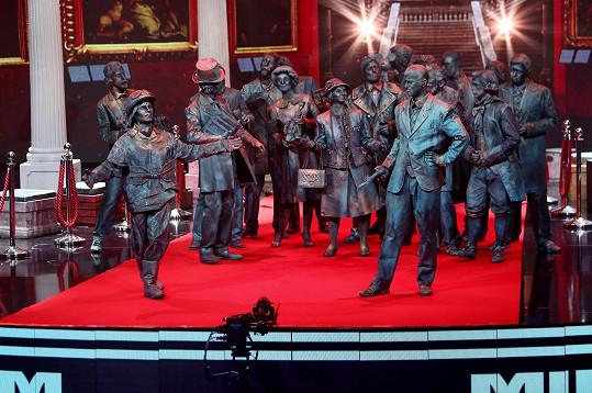 Zpívající sochy skončily druhé.