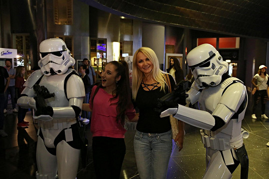 Natálie a Šárka Grossová na premiéře filmu Solo: Star Wars Story