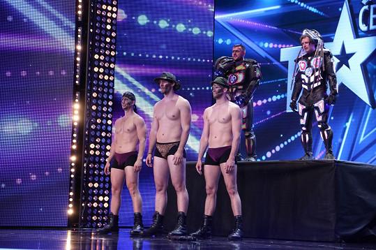 V talentové show se předvedla skupina Predators.