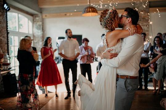 Tančilo se až do bílého rána. Andrea je totiž velká tanečnice.