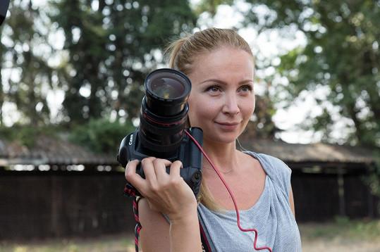 Za fotoaparátem stála dvorní fotografka Dary Rolins Petra Ficová.
