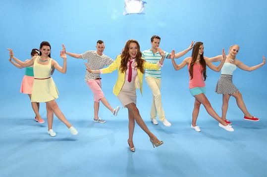 S tanečníky během natáčení