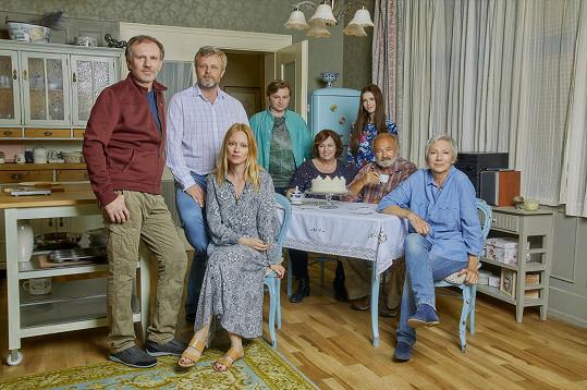 Linda Rybová si váží seriálové rodiny, v téhle době jí nahrazuje kolegy z divadla.