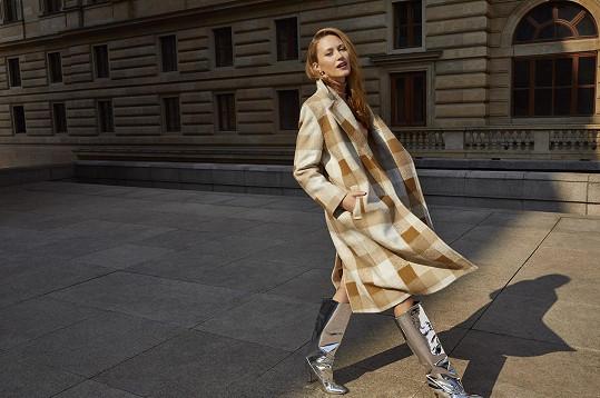 Díky spolupráci s českým módním řetězcem si odskočila od herectví k modelingu.