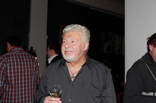 Ženy, víno, zpěv, to všechno má Milan Drobný rád.