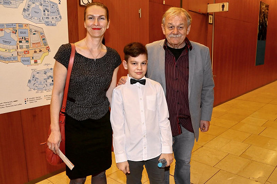 Karel Šíp vyrazil s rodinou na muzikál Ať žijí duchové!