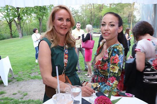 s Vendulou Pizingerovou na večírku