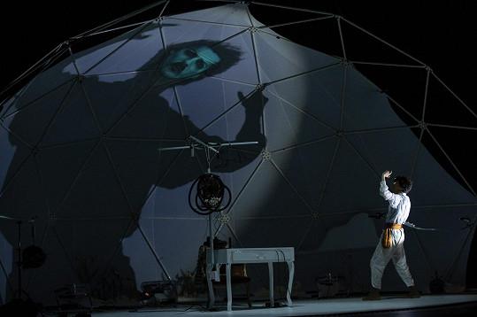 Režisér Šimon Caban vybízí diváky k zapojení fantazie.