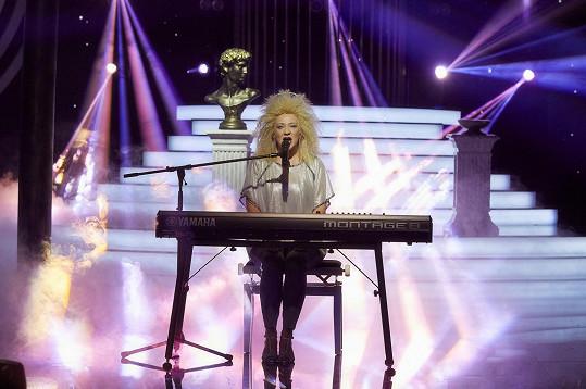Vítězka SuperStar si zazpívala hit Koloseum.