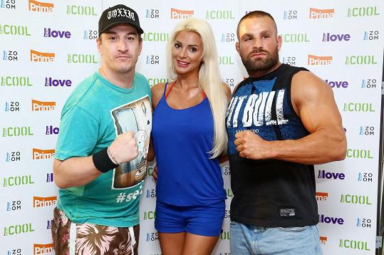 "Denise Ayverdi je však zadaná za bojovníka MMA Karla ""Karlose"" Vémolu."