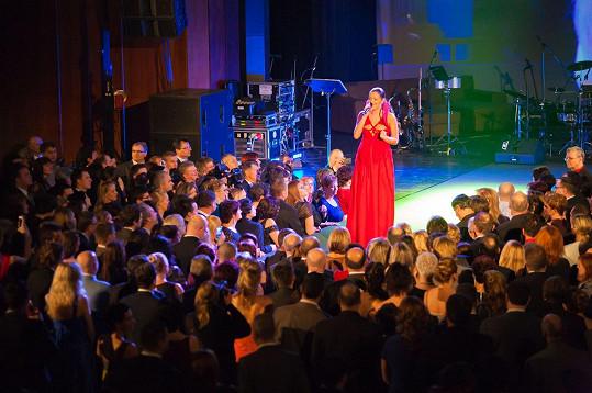 Zpívala Jitka Válková.
